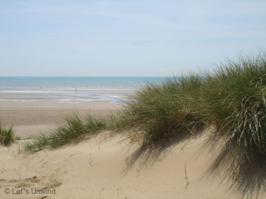Camber Sands beach is just 5 minutes stroll from the holiday cottage.