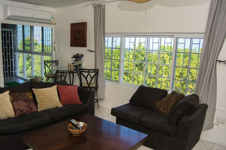 The Biltons - 6 min from airport- A/C in all rooms