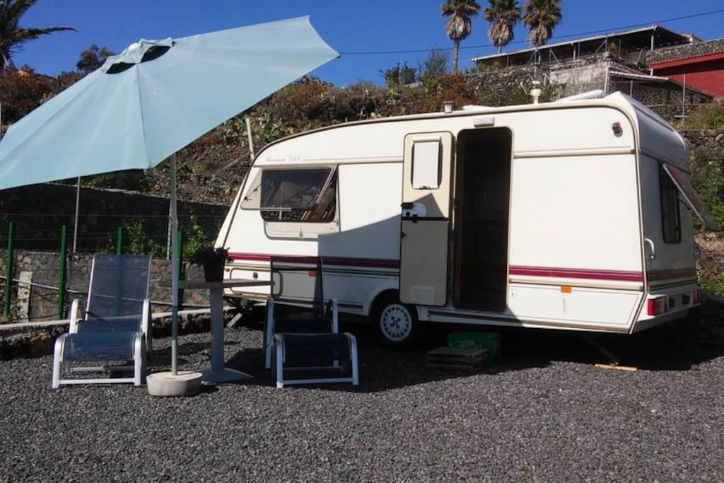 Wohnwagen La Palma Auf Der Sonnigen Westseite Camping