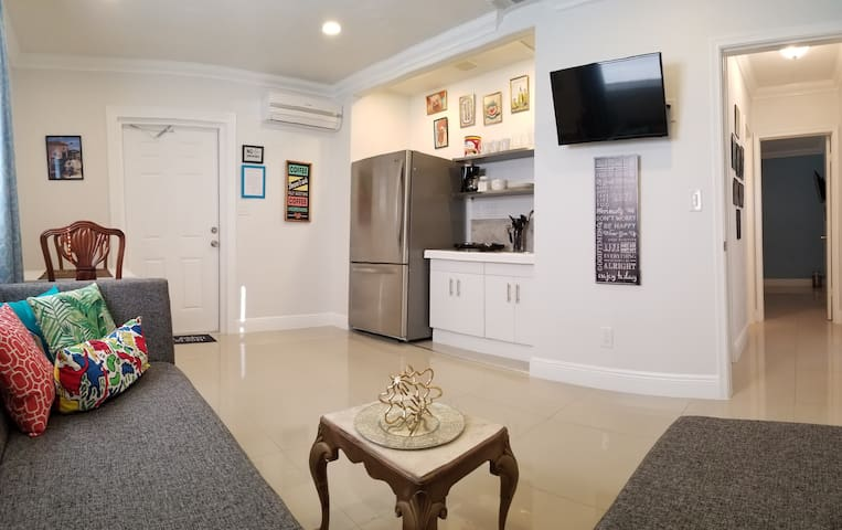 Nice private unit with kitchen! 1 room/1 bath.