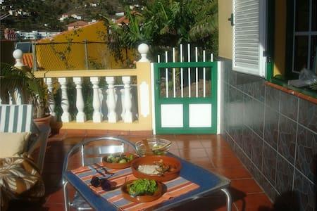 gemütliche gepflegte Wohnung mit 2 Terrassen - Valle Gran Rey - Lejlighed