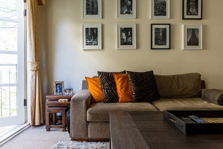 Very Central 2 Bedroom Apartment At Cbd 39 S Doorstep