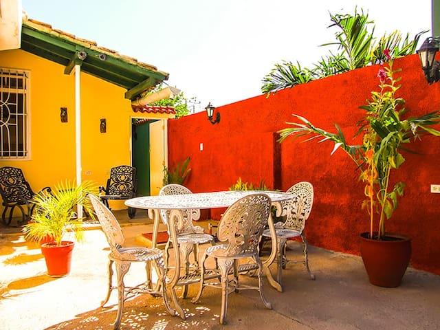 Casa completa e independiente. Hostal Gallego