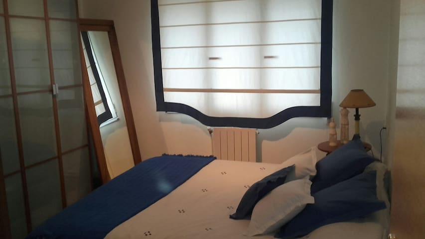 Room with double bed, spacious