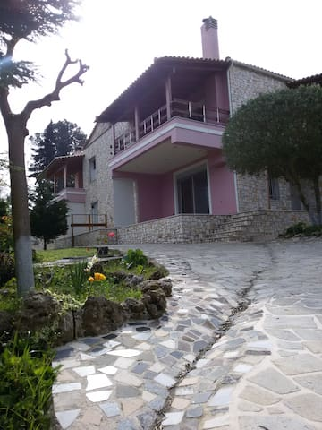 """Τhe Stone countryside Villa in Corfu"" 4-8 persons - Agios Vasilios - 別荘"