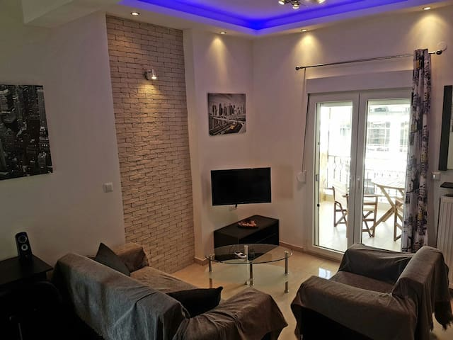 Modern penthouse apartment in the city centre - Tessalónica - Apartamento