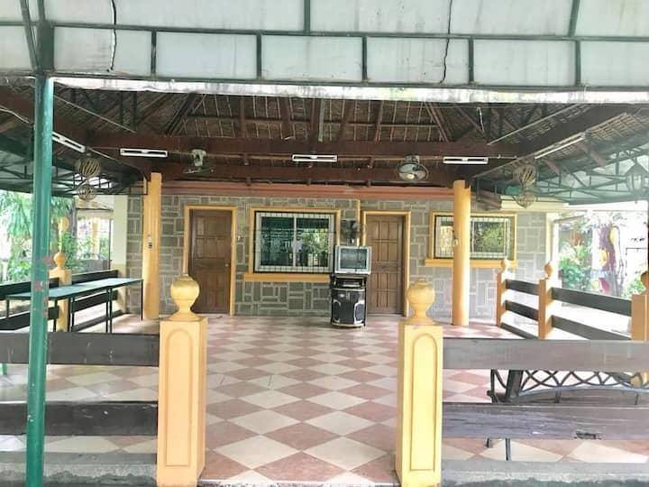 Gitna ng Nayon Venue1: 22hrs (Up to 25 pax)