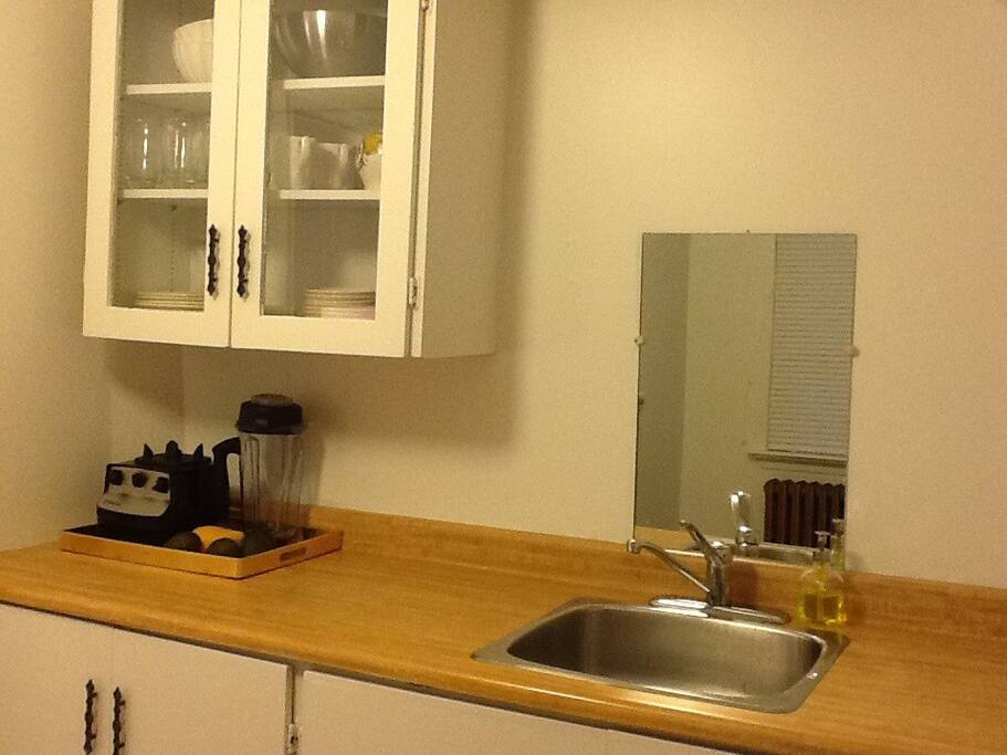 spacious kitchen with all the equipment to make your own meals - including a vitamix!