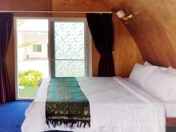 Large Bungalow in Kampot