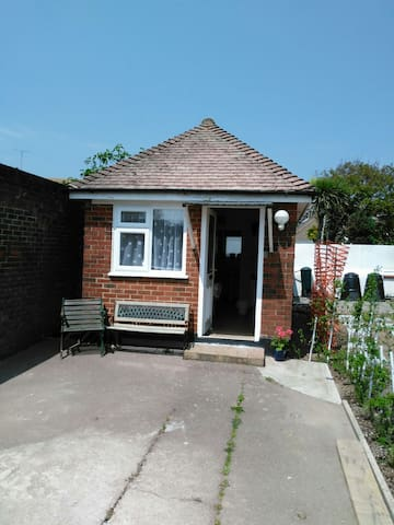 Private studio for single person or couple - Worthing