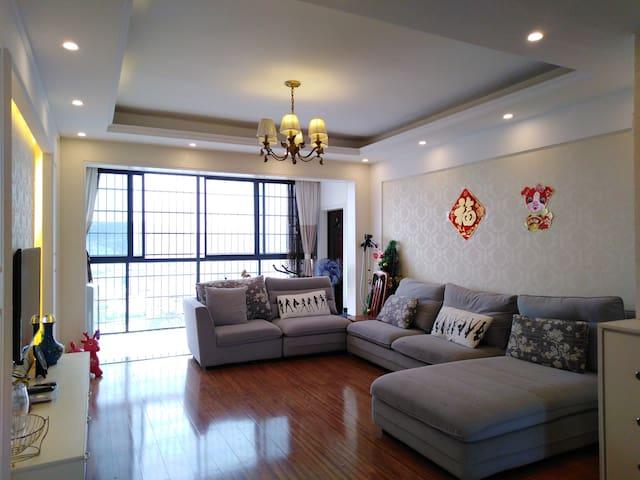 乾州古城/吉首大学/电梯高层远景三居公寓