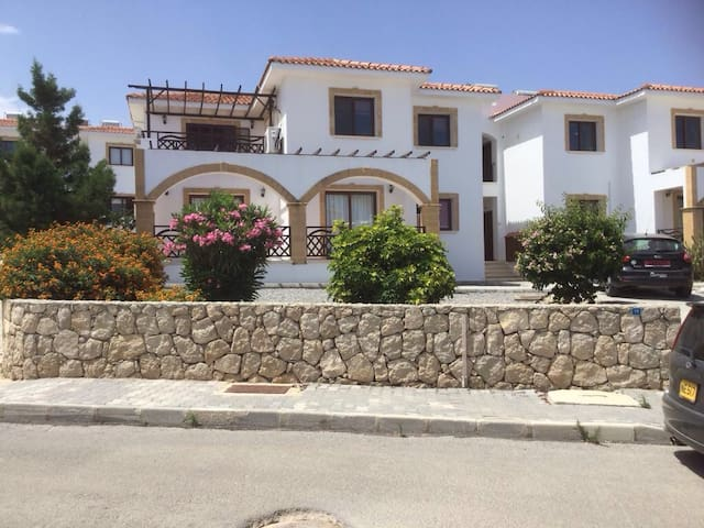 Spacious Apartment in North Cyprus - Esentepe