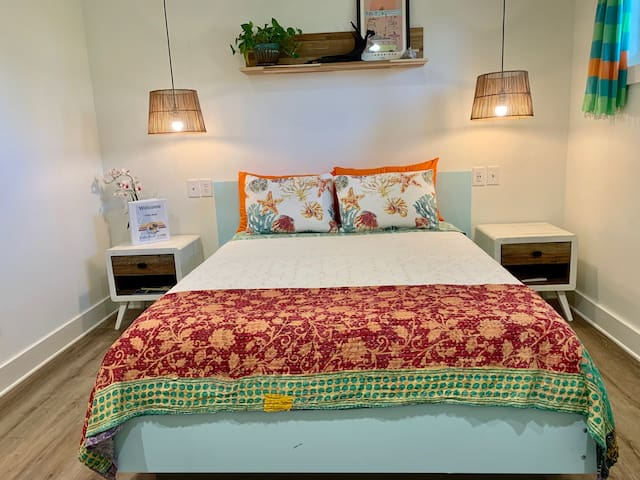 Folly River Lodge: Deluxe Queen 7