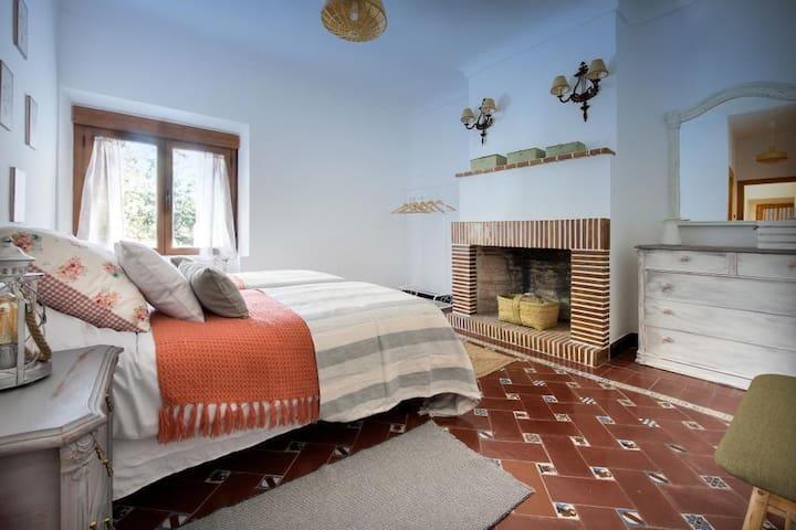 Habitación doble con baño en suite