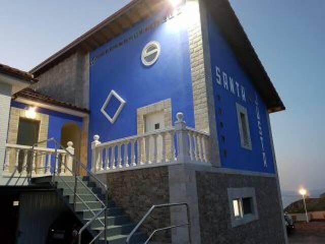 Apartamentos con bonitas vistas al mar cantábrico.