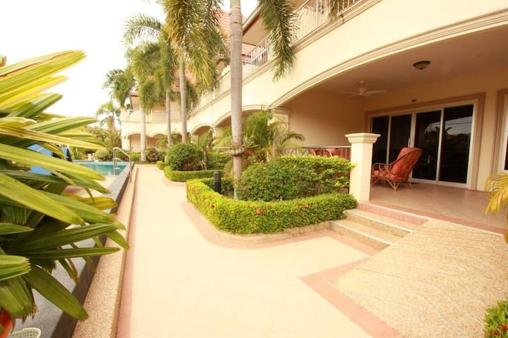 Family Friendly Apartment in Well Run Resort