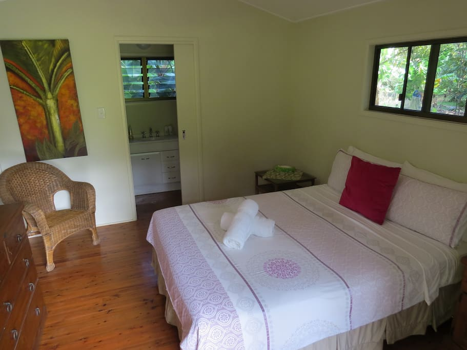 Comfy queen sized room with ensuite