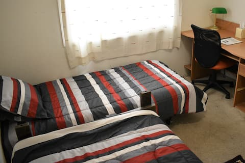 OCR-2: Great Location on Budget with 2 Cozy Beds