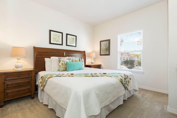 NEW! 3 Bedrooms/ 2 Bathrooms Lucaya Village 20-107