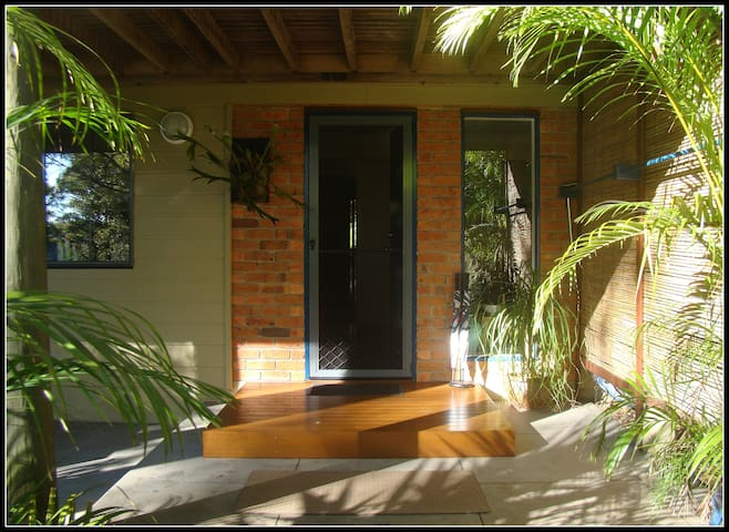 Tallebudgera Hideaway - quiet bushland retreat