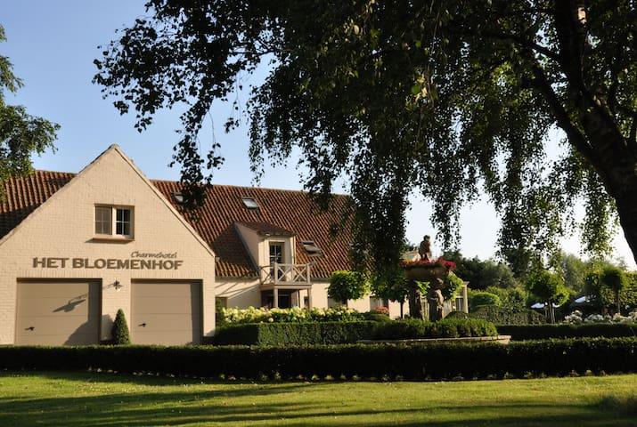 Charme kamers dichtbij Damme, Brugge  en de zee