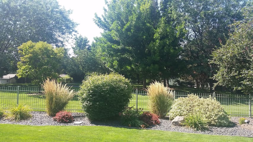 Serene and Private West Boise Suite near HP