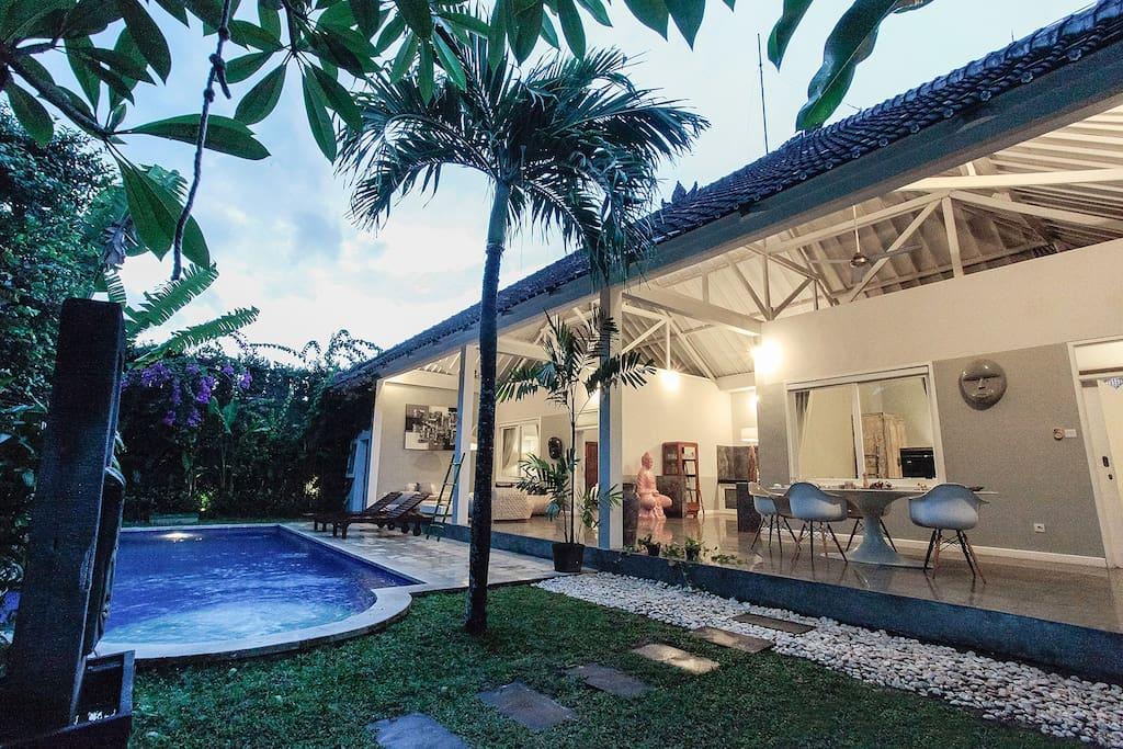Lush Green Living - Villa Ferringhi
