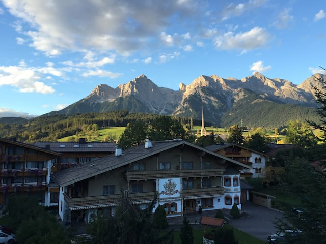 Cozy apartment with stunning view. - Maria Alm - Apartamento