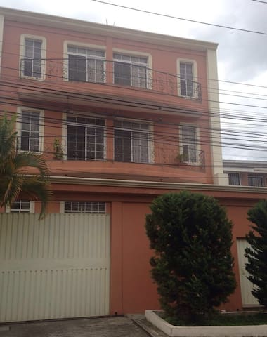 Apt nearby business centers Lomas - Tegucigalpa - Apartment