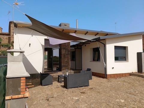 Agradable bungalow con  jardin y chimenea