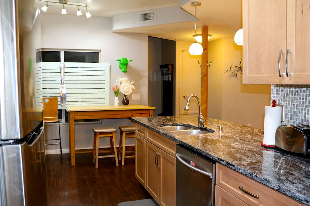 Sparkling, fully stocked kitchen with everything you need to make eats at home!