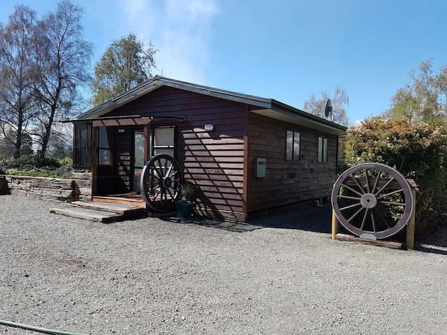 SOU'WEST COTTAGE - Te Anau - Cabin