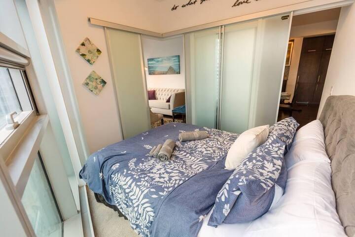 Private Room in Shared 3 bdrm Modern Condo