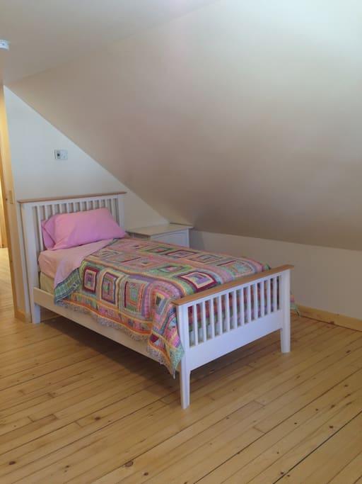 Bedroom #2--Twin