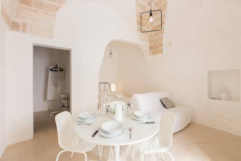 Casa Blanca en ciudad blanca Ostuni Puglia lastmin