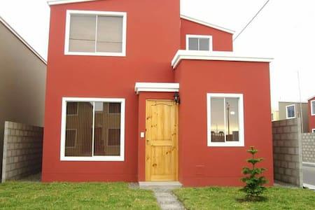 Casa en Condominio Playa Las Delicias - Trujillo