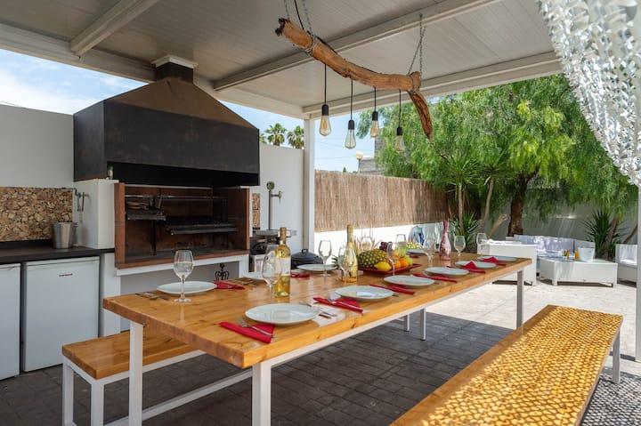 Super New Villa close to Ibiza Town