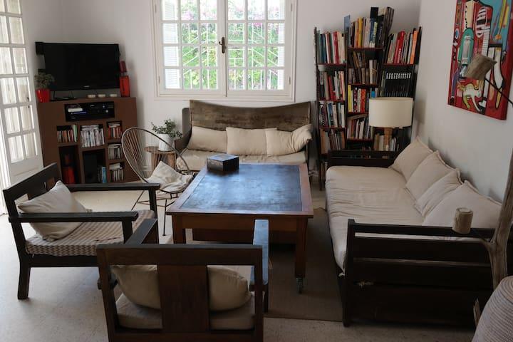 Belle chambre à louer dans une maison de charme.