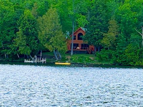 Family Lake House in Island Falls
