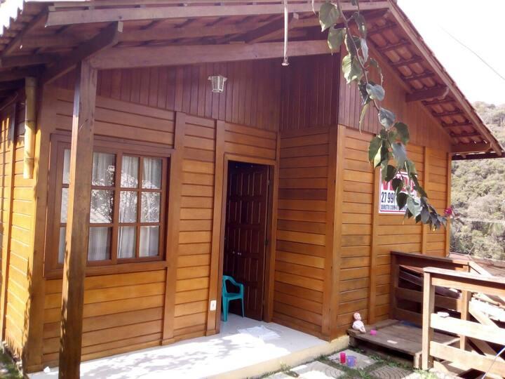Alugo Casa em Matilde