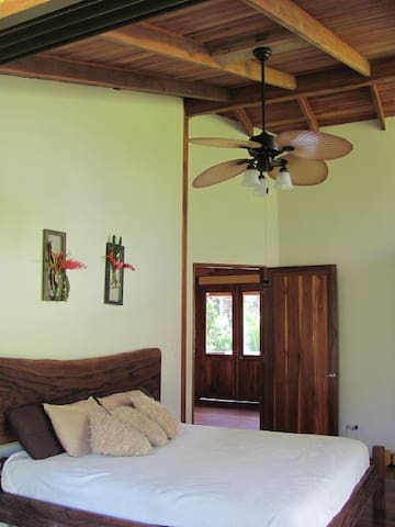 Nature Lovers Home - Playa Platanares - Casa