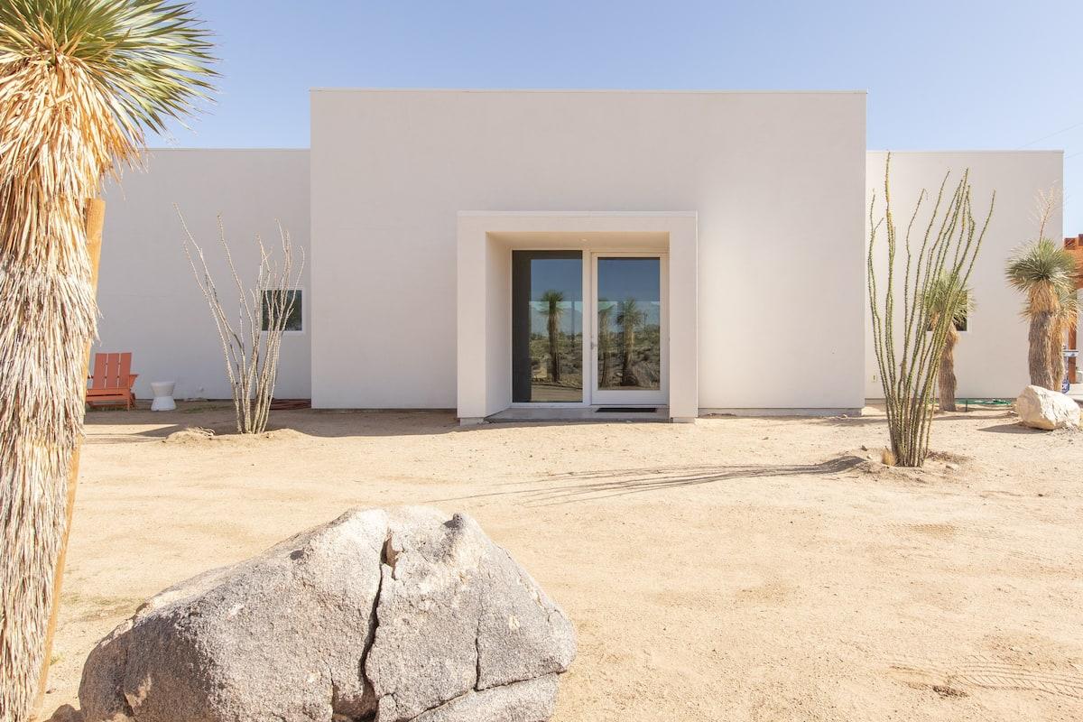 Recharge in a Tranquil, Art-Inspired, Modernist Desert Oasis