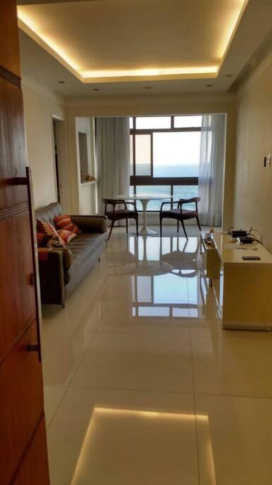 Sala de estar, ambiente decorado e montado.