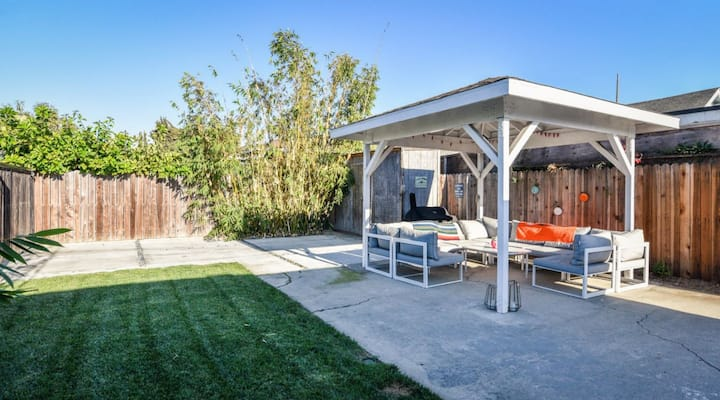 Charming Mar Vista Venice Bungalow House
