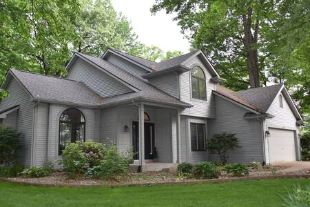Modern 3 BR home w/Spa-like Master Suite near ND
