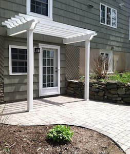 Private One Bedroom Apartment in Middlebury, CT - Middlebury - Wohnung