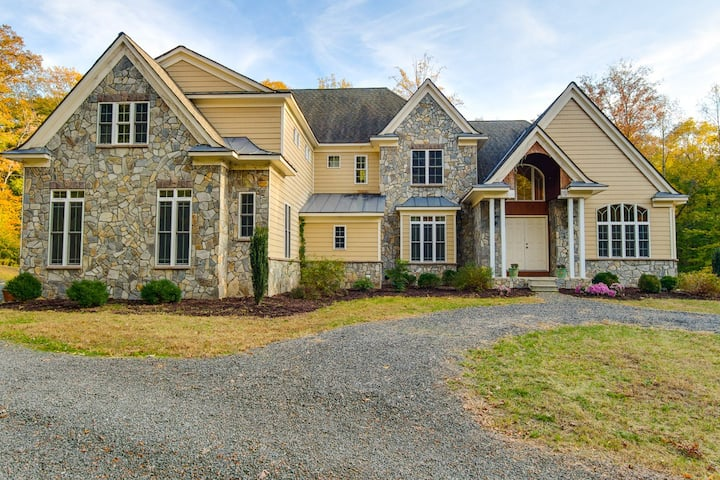 Great country getaway near wineries,mountains & DC