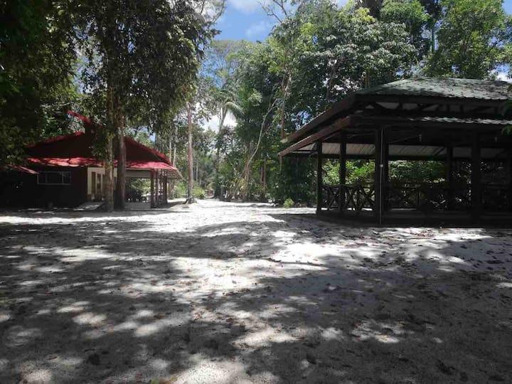 Maison Marigot, plantage 4 kinderen aan het water