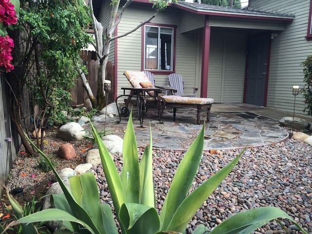 Eagle Rock home- great neighborhood