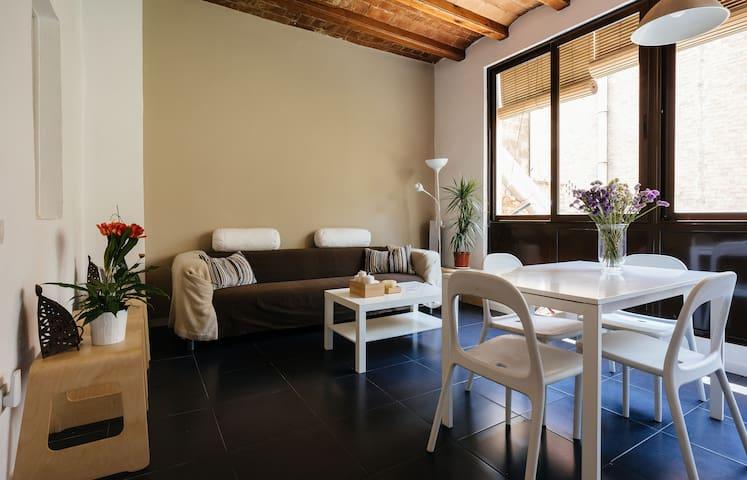 Chic, sunny & pleasant apt in the heart of BCN - Barcelona - Lägenhet
